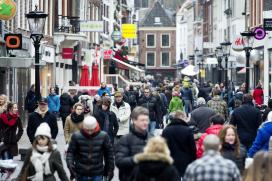 45% van de Nederlanders kiest stenen winkel boven webshop