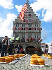 ION oplaadpunten op de Alkmaarse Kaasmarkt