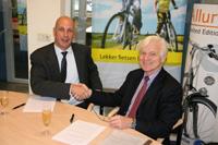 Gazelle en Andries Gaastra tekenen licentieovereenkomst