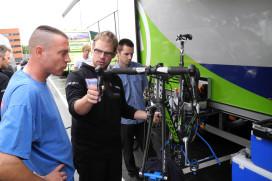 Argos-Shimano mecaniciens trainen fietsmonteurs met beperking
