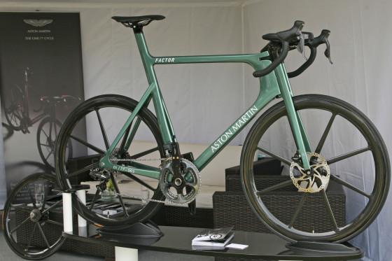 Aston Martin One-77 fiets voor 30.000 euro
