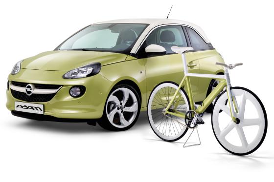 Opel promoot stadsautootje met bijpassende fixie
