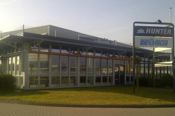 Bioracer opent showroom in Heerenveen