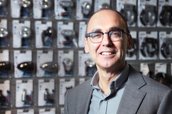 Directeur Peter van Vlijmen verlaat AXA