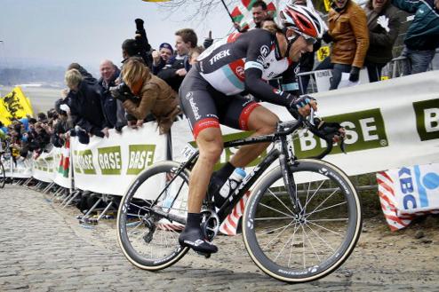 Cancellara wint Parijs-Roubaix op Trek Domane met Iso Speed decoupler