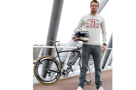 F1 coureur Giedo van der Garde op Dura-Ace fiets