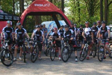 AGU-dealers fietsen met Bart Brentjens