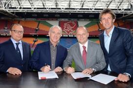 Officiële ondertekening contract Ajax-CST