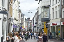 Jongeren in de VS kopen het liefst in winkels