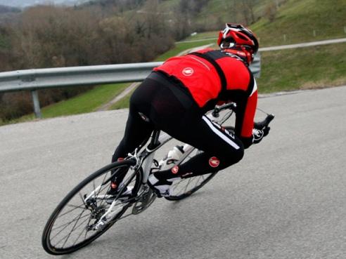 B&T Bikestore opent eerste Castelli shop in Nederland