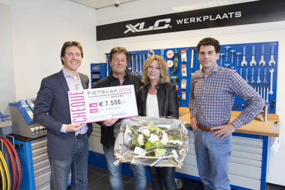 Visser Tweewielers wint prijs Juncker op FietsVAK