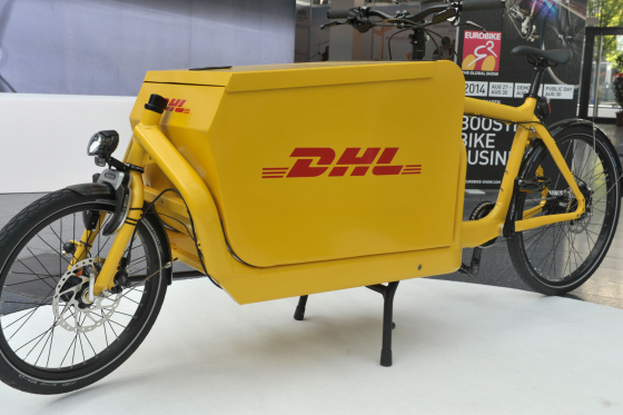 DHL schakelt over op bakfietsen