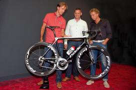 Isaac sponsort Orange Cycling Team