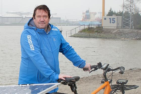 Henri Manders maakt wereldreis op Spiked e-bike