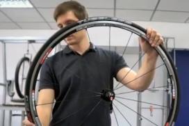Video: Montage van Schwalbe Ultremo Tubeless fietsband