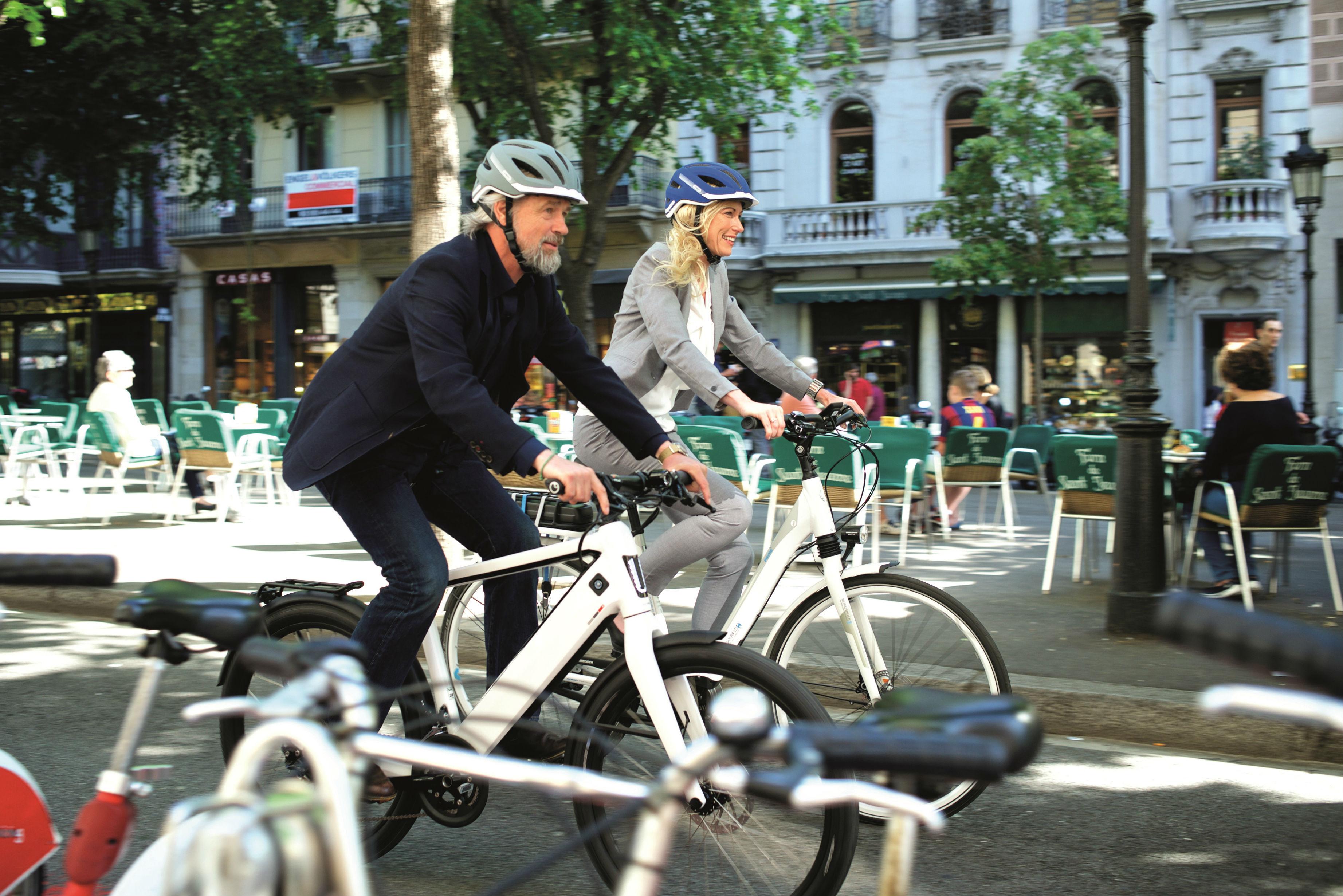 abus helm voor speed e bike begin 2017 leverbaar tweewieler. Black Bedroom Furniture Sets. Home Design Ideas