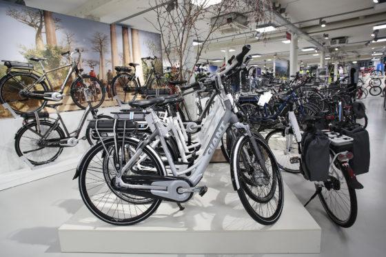 E bikes 560x373