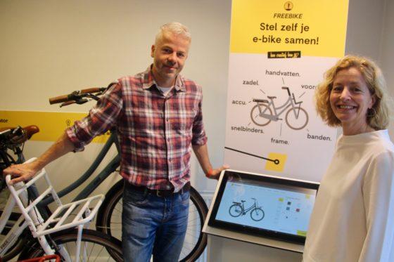 Mariska Slots is general manager Freebike en heeft in de bikesharing business haar sporen verdiend, zij wordt bijgestaan door marketeer Niels de Blok. Foto Arnauld Hackmann
