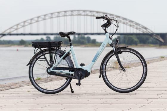 Freebike Soho, een urban mid drive e-bike met Bafang Max Drive Motor, Samsung accu (standaard 15 Ah), Magura hydraulische remmen en Shimano Nexus 8 versnellingsnaaf. Foto Freebike