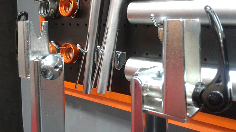 Met deze adapterset maak je de Super B-wiel richtbokken uit de professionele serie geschikt voor naven tot 210mm inbouw.