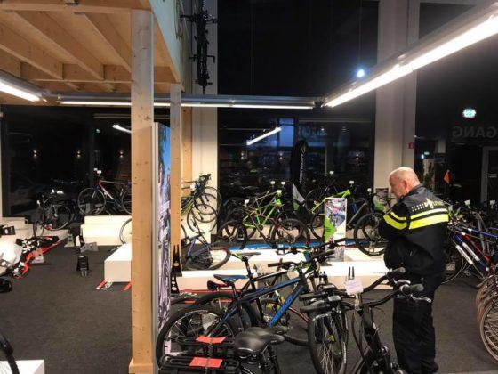 27 fietsen gestolen bij fietswinkel Uden