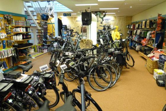 Showroom van Provinciewinnaar Lietmeijer Tweewielers in Uithuizen. Foto redactie Tweewieler