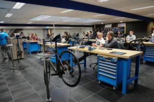 Shimano Benelux traint 700 fietsspecialisten