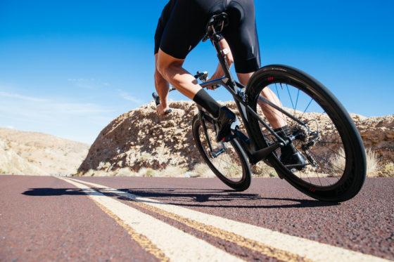 Met vernieuwde profielvormen kunnen renners onder alle omstandigheden en met alle vertrouwen op hogere snelheid rijden, zegt Bontrager.