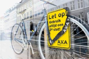 Dealers duiken op AXA's slimme promotiecampagne voor een tweede slot