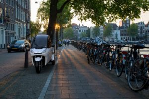 Accell Group neemt 40% aandeel in e-auto