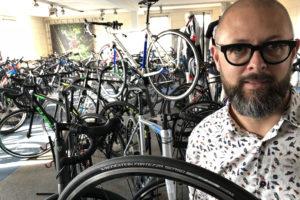 Fietsplus Tinus van Overveld wil Vredestein-banden 'uit achtertuin'
