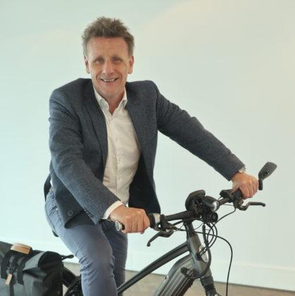 Algemeen directeur Huub Lamers van Gazelle verwacht dat het mobiliteitsconcept de nodige bedrijvigheid voor tweewielerbedrijven gaat opleveren. Foto RvG