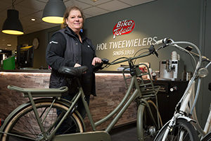 Betsy Hol, Bike Totaal Hol Tweewielers