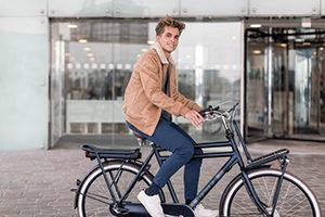 De Cortina E-U4 is de meest verkochte e-bike onder middelbare jongeren.
