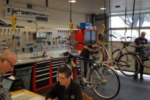 Deelnemers Fietsenwerkplaats Texel geslaagd