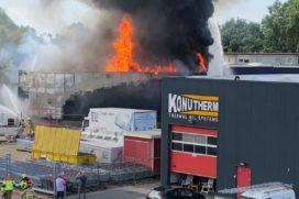Grote uitslaande brand bij Stella Fietsen