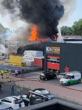 De grote brand in een opslag van Stella Fietsen in Nunspeet op 11 juli 2018 bracht extra risico met zich mee vanwege de fietrsaccus die er lagen opgeslagen.