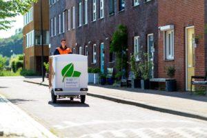PostNL bezorgt met elektrische bakfiets in Utrecht