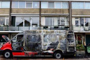 Servicebus Stella brandt uit in Wormer