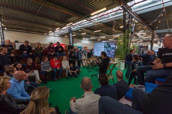 In een speciale pitch arena werden korte presentaties geven over innovatieve en nieuwe producten. Foto DRG