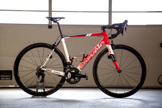 Team Sunweb rijdt met de Cervelo R5 gebruiken. Die fiets is geschikt is voor PRO-componenten.