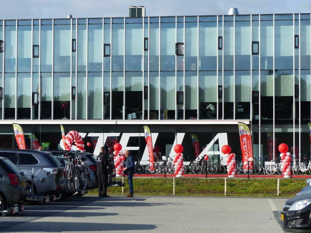 Het hoofdkantoor van Stella in Nunspeet herbergt ook het magazijn en is tevens afhaallocatie voor kopers van e-bikes.