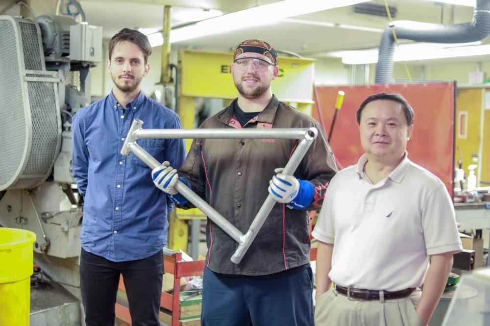 Een team van de University of California (UCLA) heeft een nieuwe lastechniek ontwikkeld waarmee het mogelijk is AA7075 aluminium van hoge kwaliteit te lassen. Dit biedt kansen voor aluminium frames, want AA7075 aluminium kan qua eigenschappen de concurrentie met carbon aan.