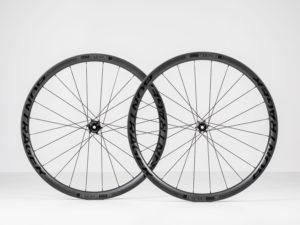 Bontrager voegt een nieuw lid toe aan de familie van hoogwaardige carbonwielen. De Aeolus Pro 3V is een wielset speciaal voor de groeiende markt van gravel- en adventurebikes.