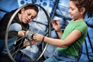 NEMO Science Museum in teken van de fiets