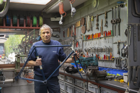 Jan Weymans: portret van een markante framebouwer en -restaurateur