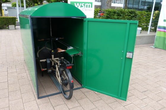 Te zien op Eurobike: E-bike- of e-bakfietsgarage box mét stroom