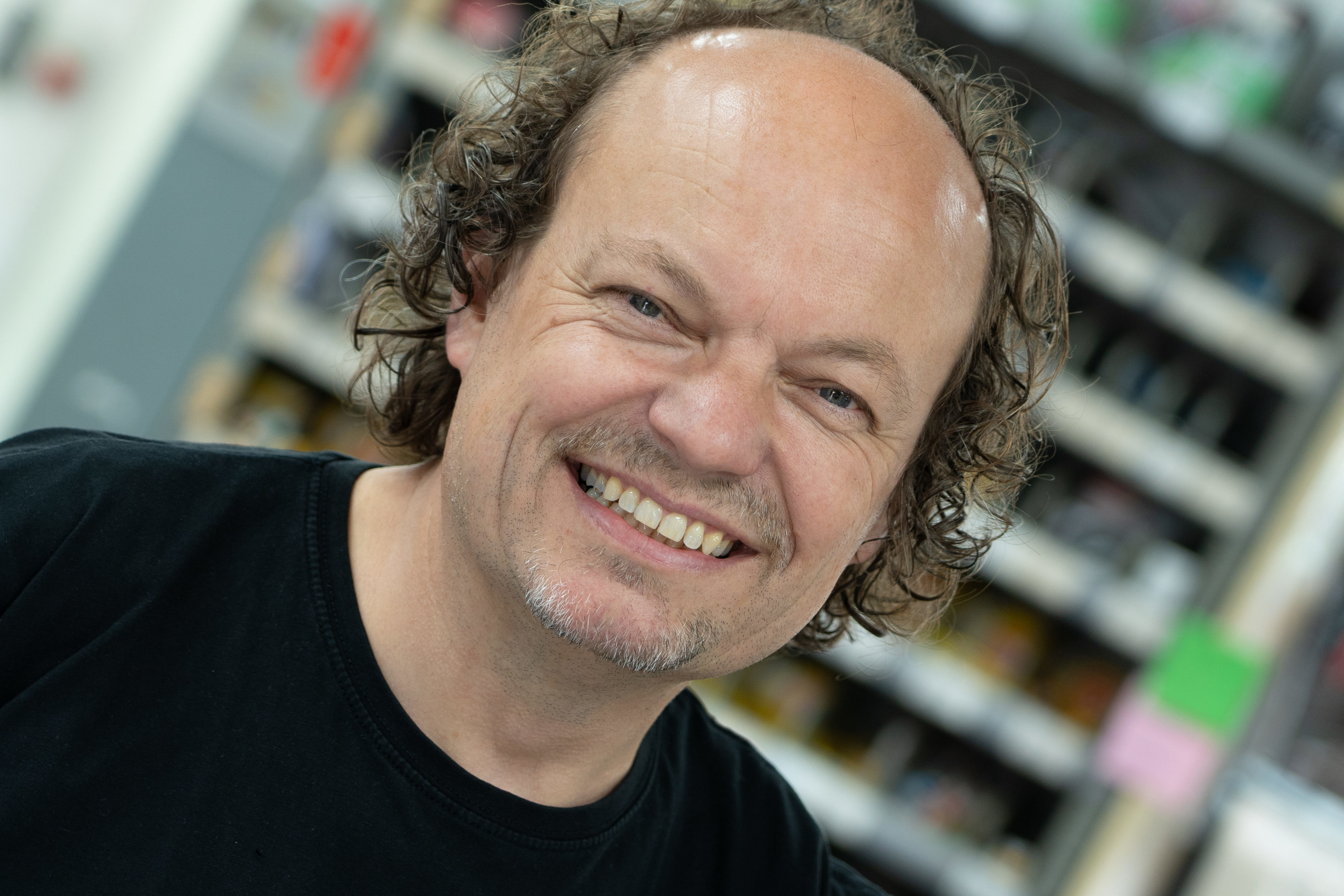 Wim van Dalfsen: 'Vol gas in een stapel fietsen' | MET VIDEO - Tweewieler
